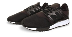 New Balance Black 272 Trainer