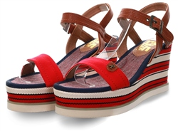 Refresh Roja Open Toe Platfrom Sandal
