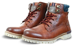 Mustang Chestnut / Tan Lace Up Boots