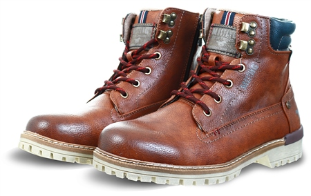 Mustang Chestnut / Tan Lace Up Boots  - Click to view a larger image